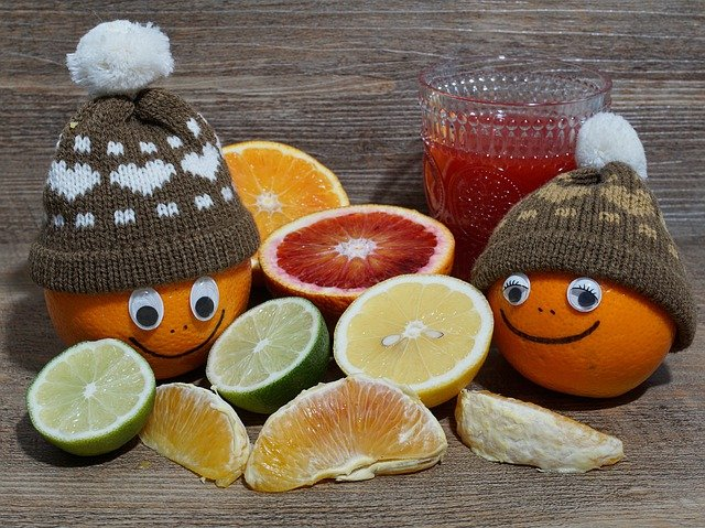 pomeranč v čepici